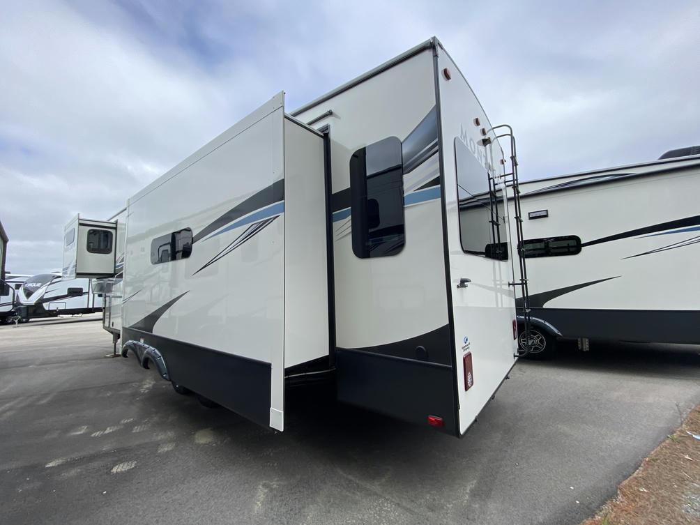 2021 Montana 3231CK