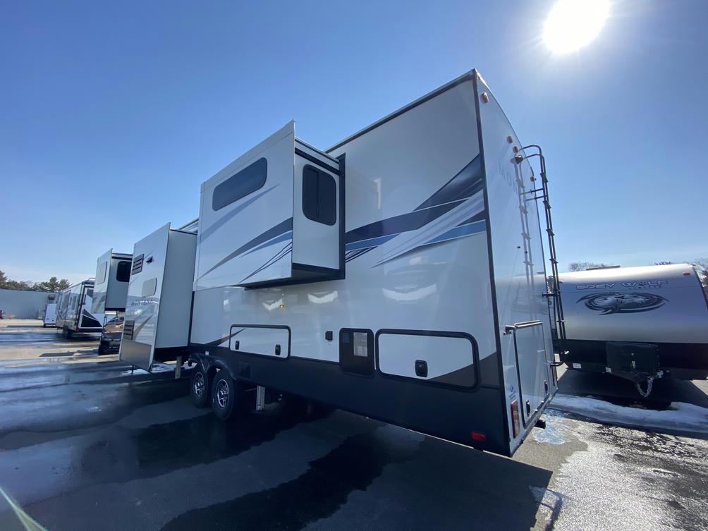 2021 Montana 3760FL