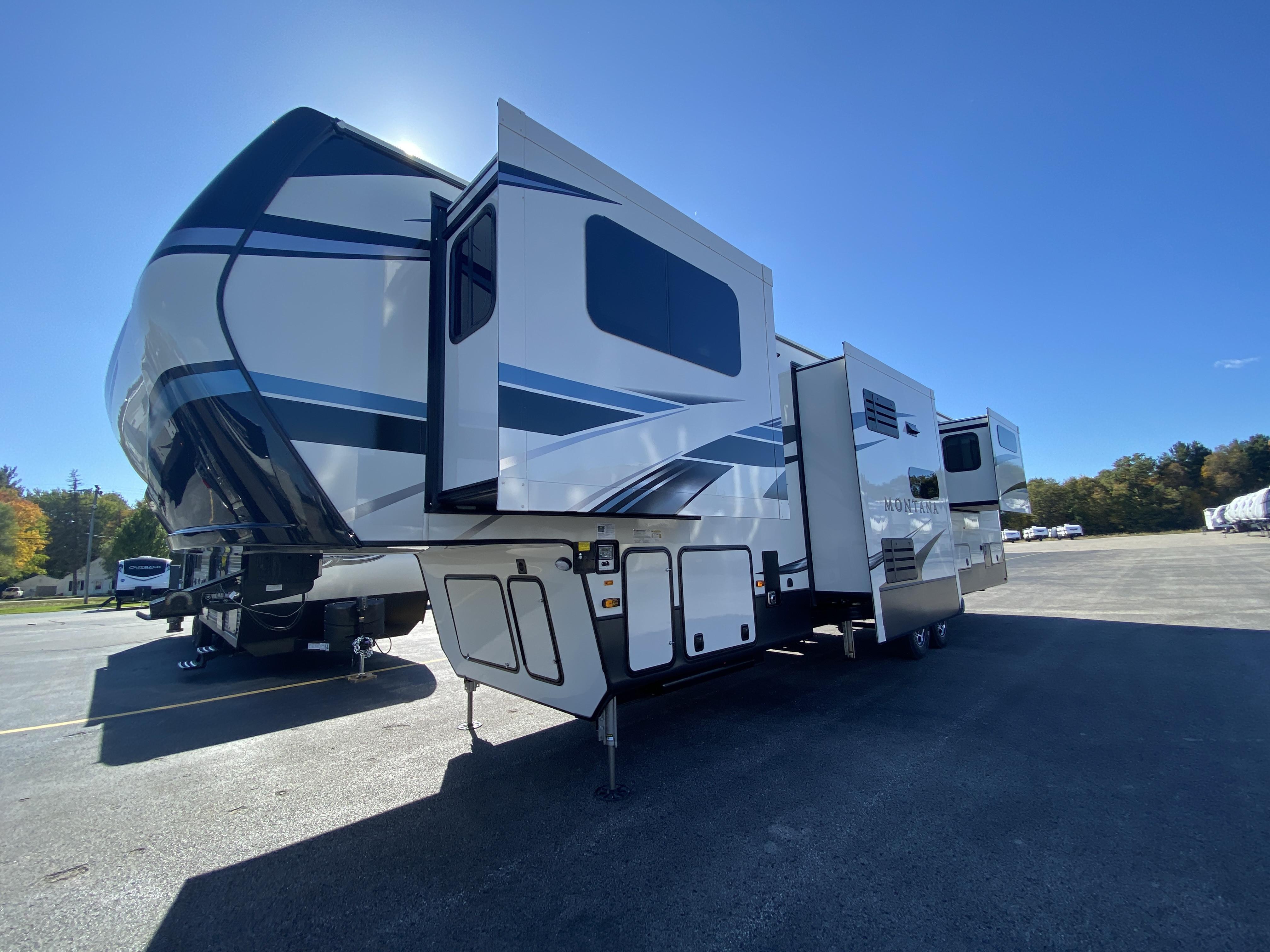 thumbnail 5 - 2021 Keystone Montana 3762BP Camper
