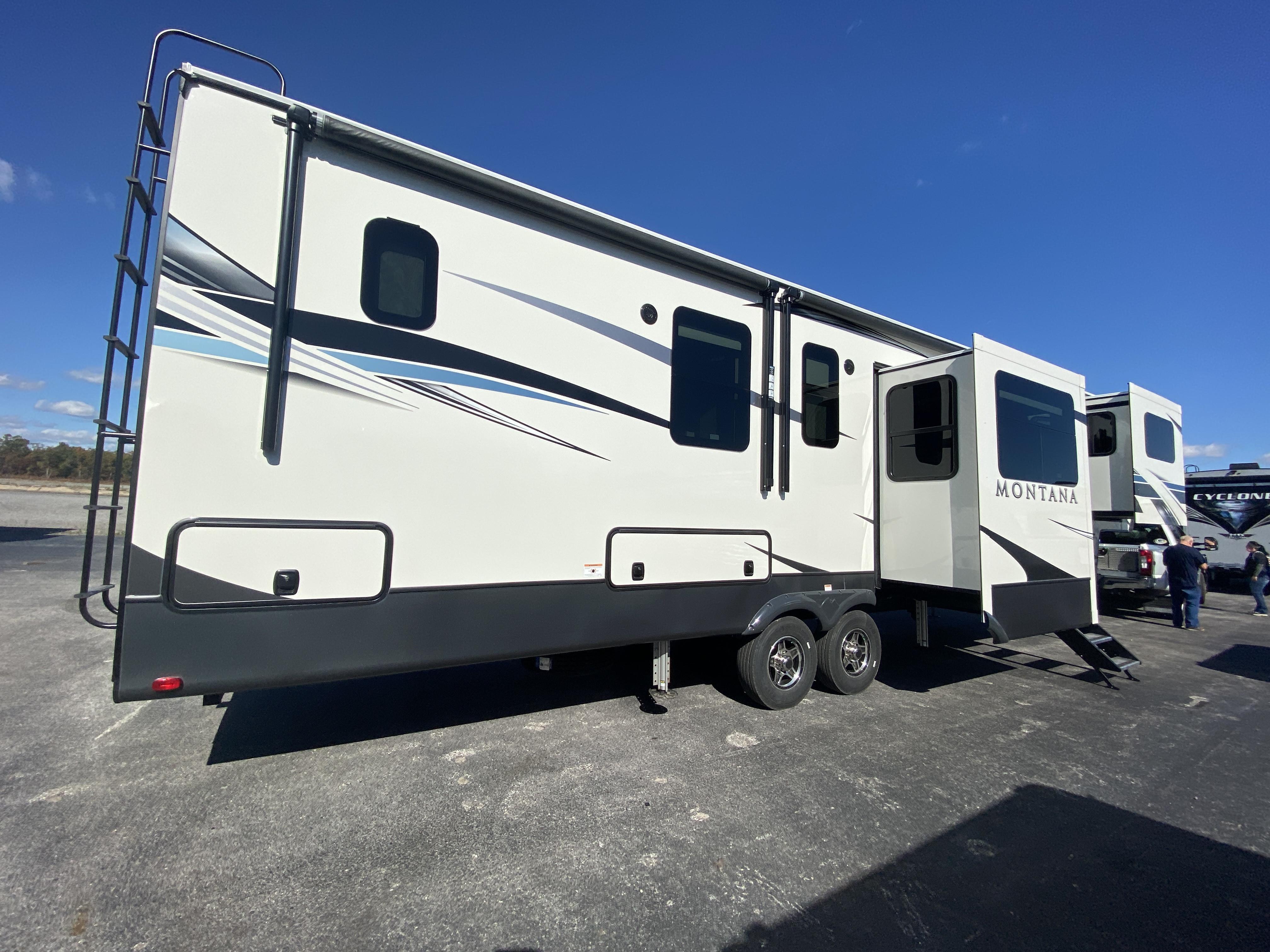 thumbnail 7 - 2021 Keystone Montana 3762BP Camper