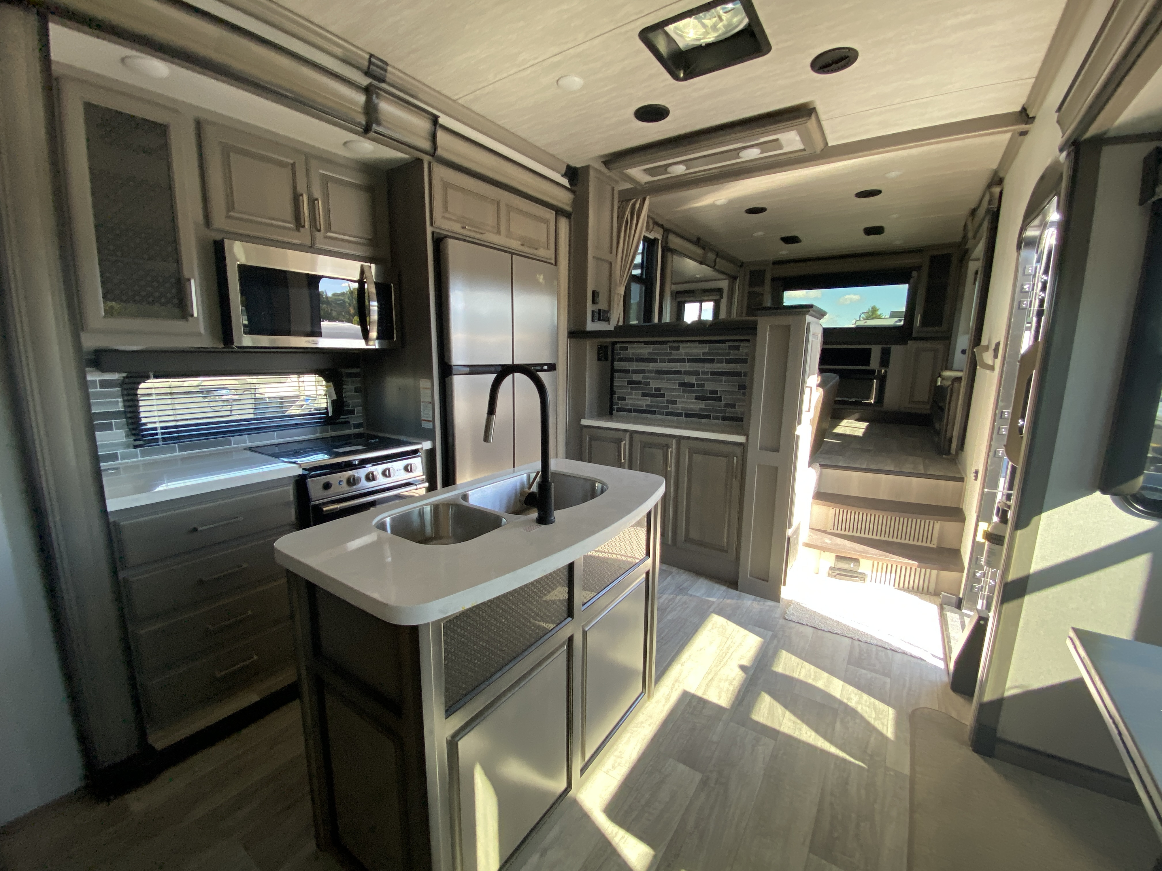 thumbnail 17 - 2021 Keystone Montana 3762BP Camper