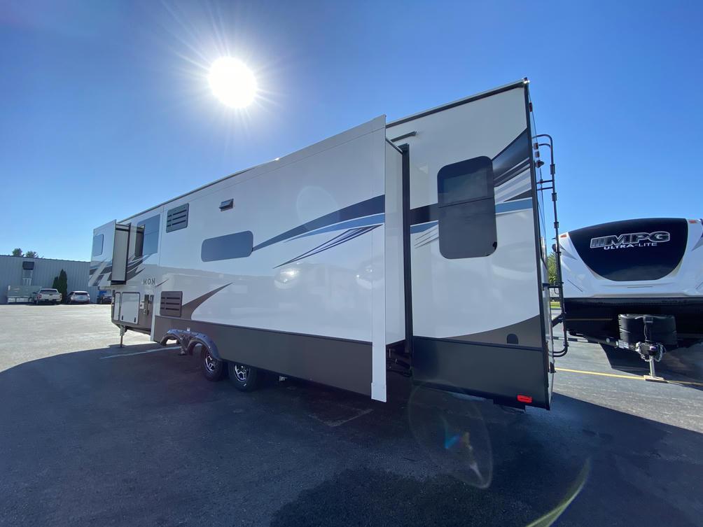2021 Montana 3780RL