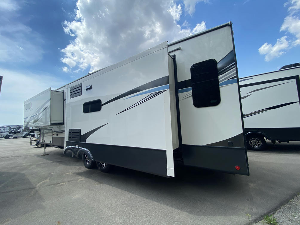 2021 Montana 3812MS