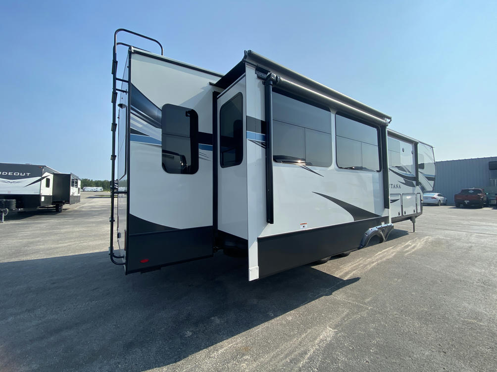 2021 Montana 3855BR