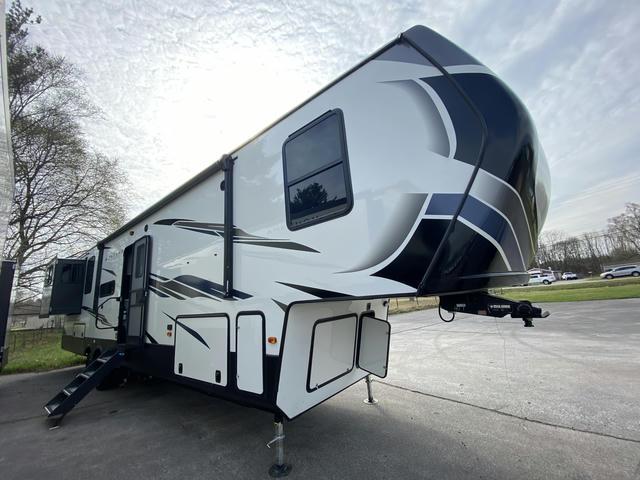 2021 Montana High Country 372RD - 743471