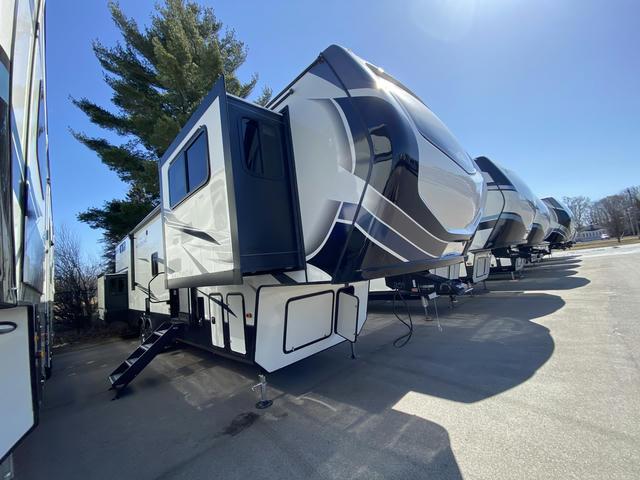 2021 Montana High Country 377FL - 743259
