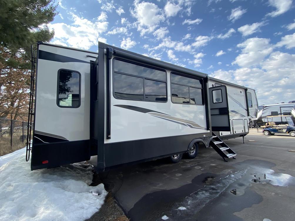 2021 Montana High Country 385BR