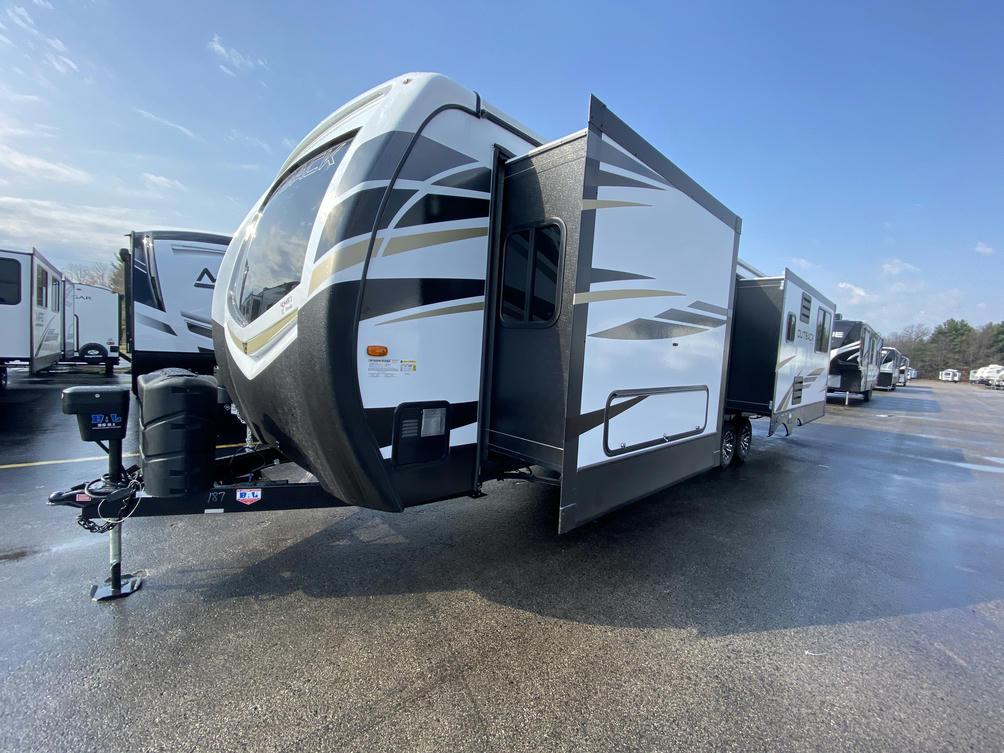2021 Outback 330RL