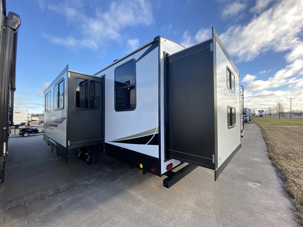 2021 Outback Ultra Lite 301UBH