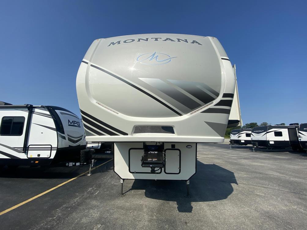 2022 Montana 3121RL