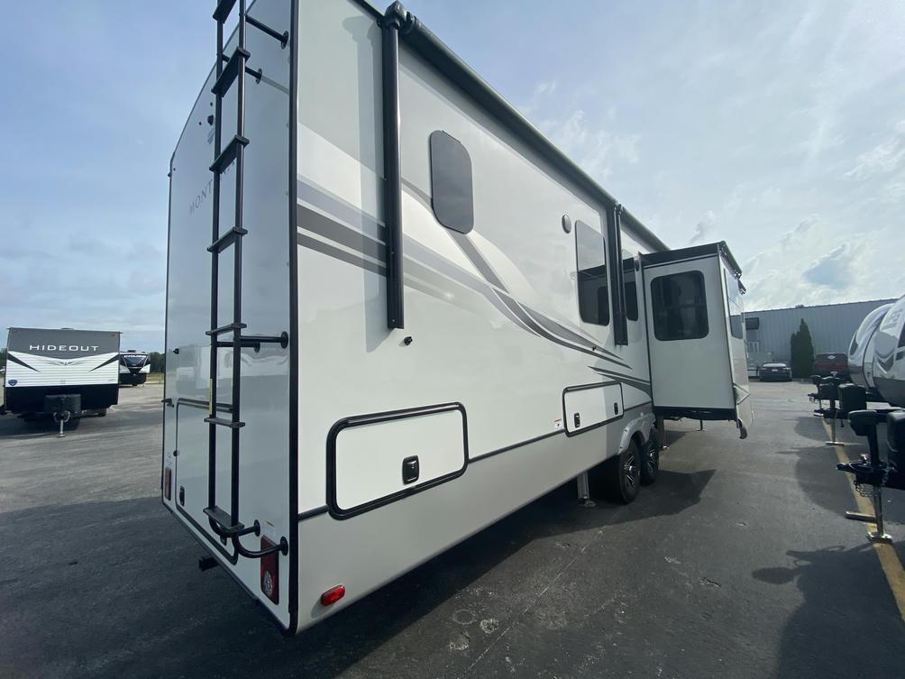 2022 Montana 3761FL