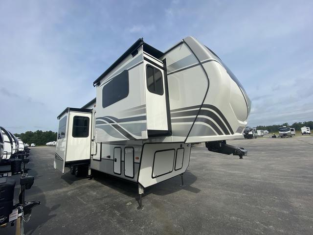2022 Montana 3761FL - 700365