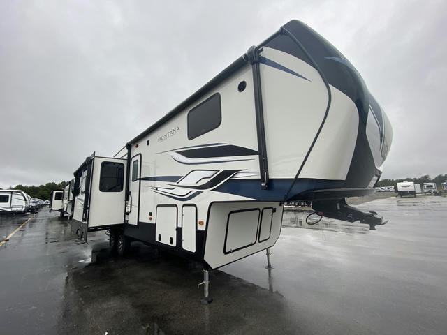 2022 Montana High Country 295RL - 740395