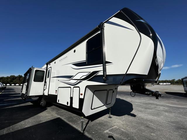 2022 Montana High Country 331RL - 740670