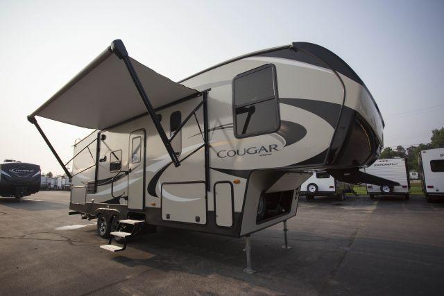 2019 Cougar Half Ton 25RES