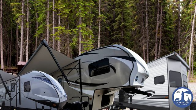 Key Differences Between Travel Trailers, 5th Wheel RVs and Destination Trailers
