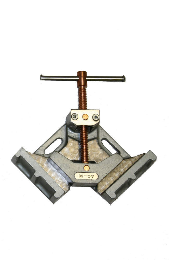 Woodward Fab 2-3/8In Cast Iron Weldi ng Clamp 90 Degree