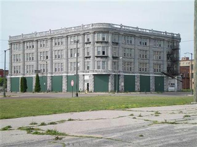 163 Colfax Ave Benton Harbor, MI 49022