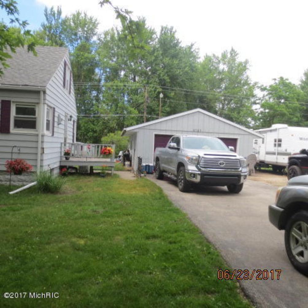 2727 Coloma  Benton Harbor MI 49022