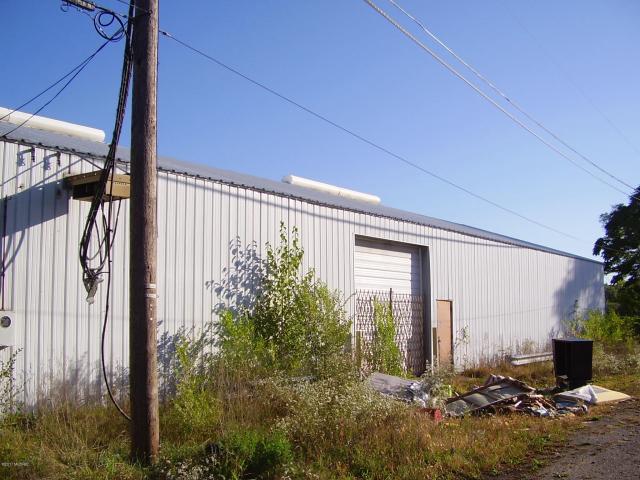 1099 Milton St Benton Harbor, MI 49022