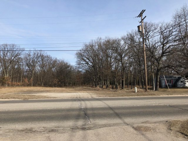 2+ Acres Us-31 (Parkdale Ave)  Manistee MI 49660
