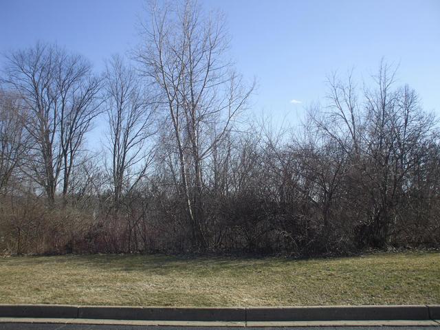 2931 Hunters Hill  Kalamazoo, MI 49048