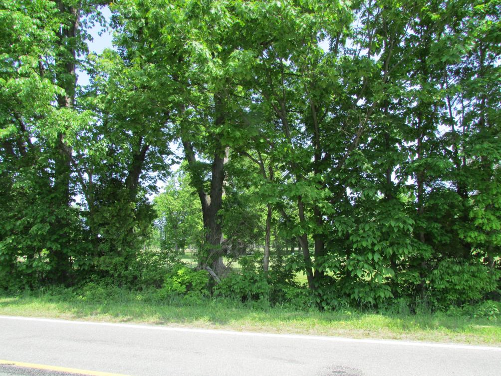 2 W Warren Woods Rd Lakeside MI 49116