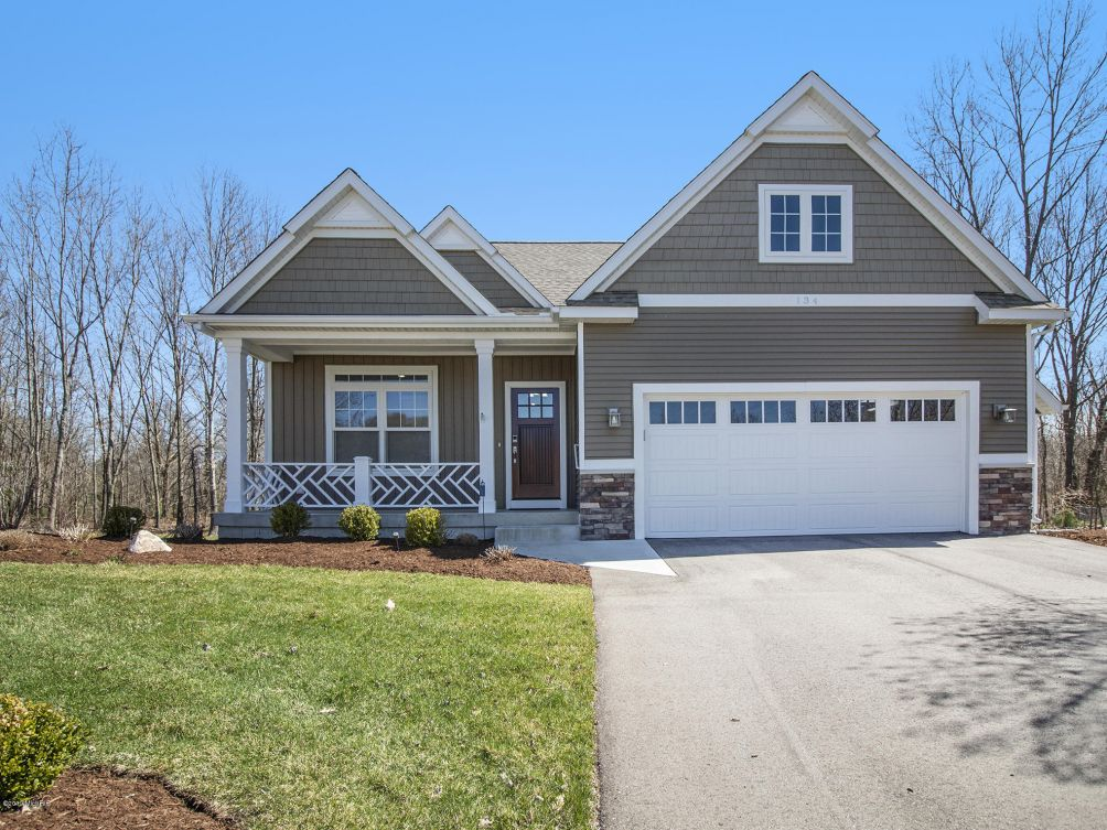 134 Blackberry Ct Holland, MI 49424