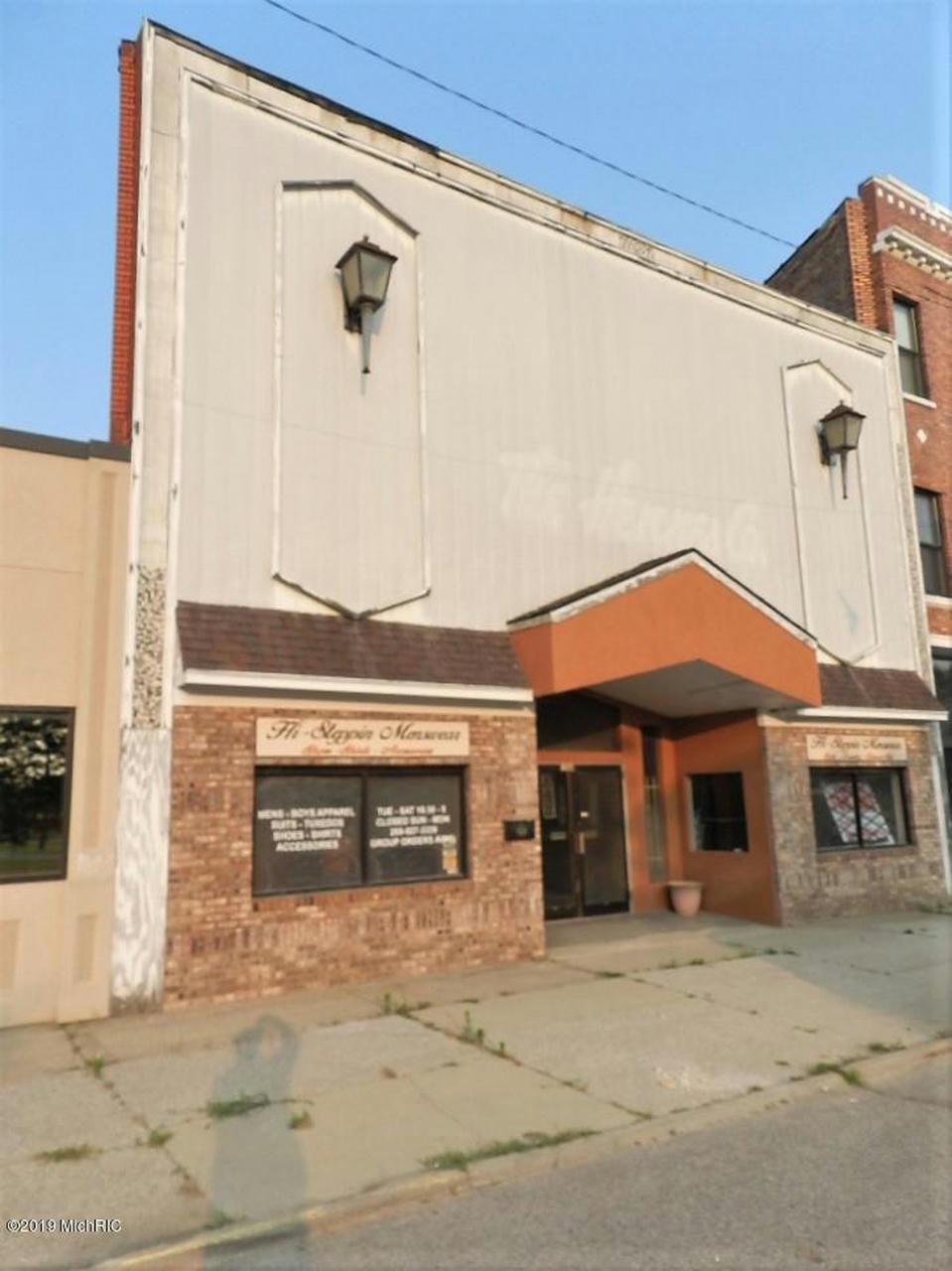 136 Pipestone St Benton Harbor, MI 49022