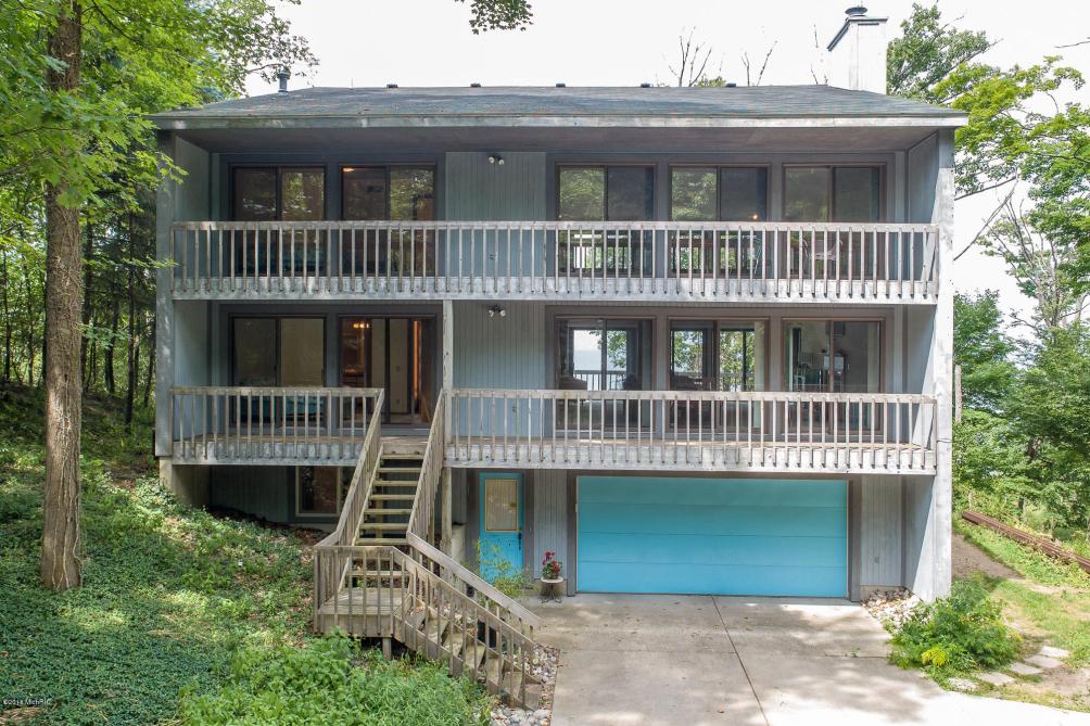 6467 Lakeshore Dr West Olive MI 49460