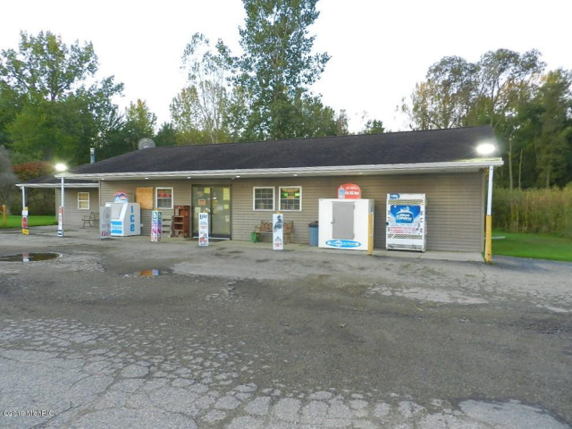 42120 Co Rd 687  Hartford, MI 49057