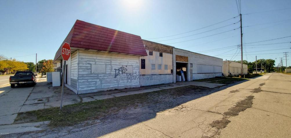 2001 Peck St Muskegon Heights, MI 49444