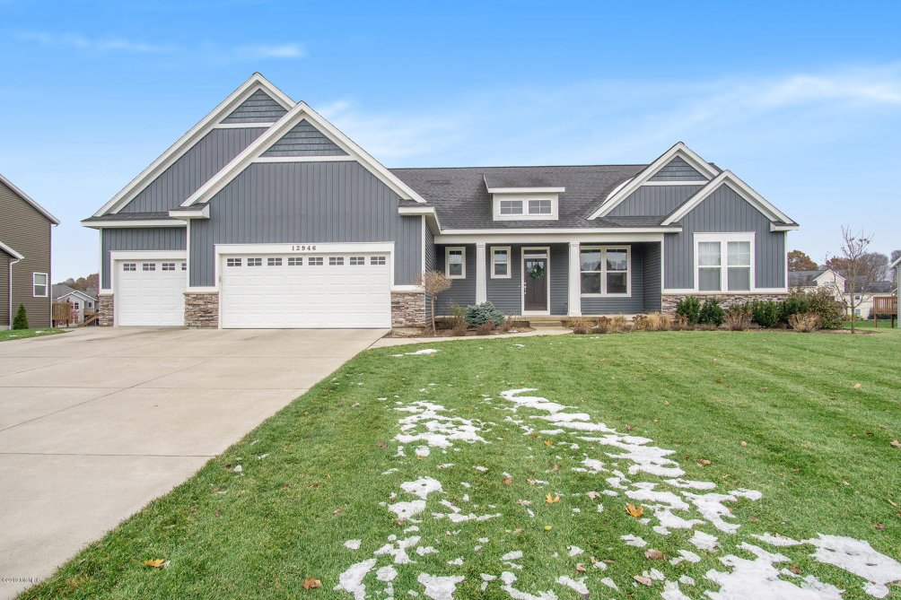 12946 Sweetbriar Dr Grand Haven, MI 49417