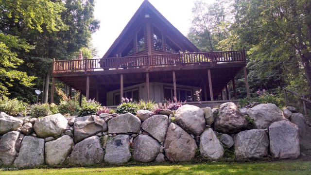 3255 River View Dr Hersey, MI 49639