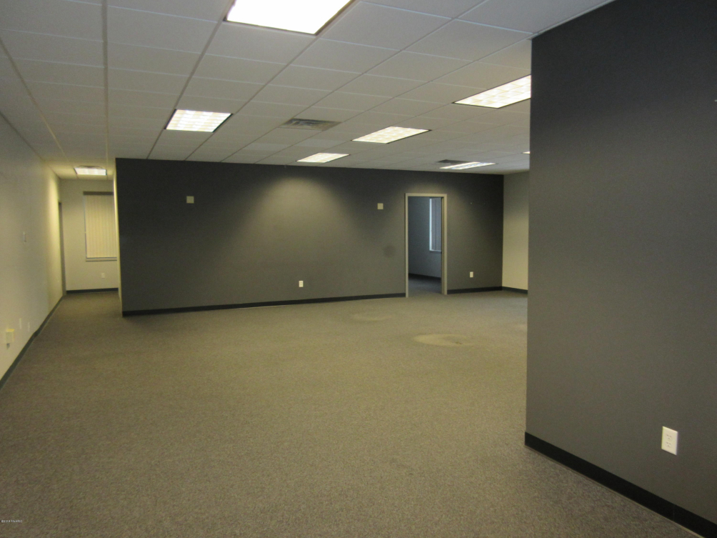 950 10th 100 St Kalamazoo, MI 49009