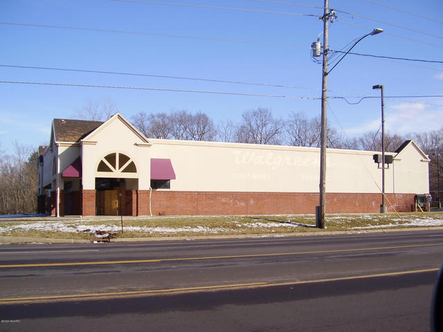 1595 Pipestone Rd Benton Harbor, MI 49022