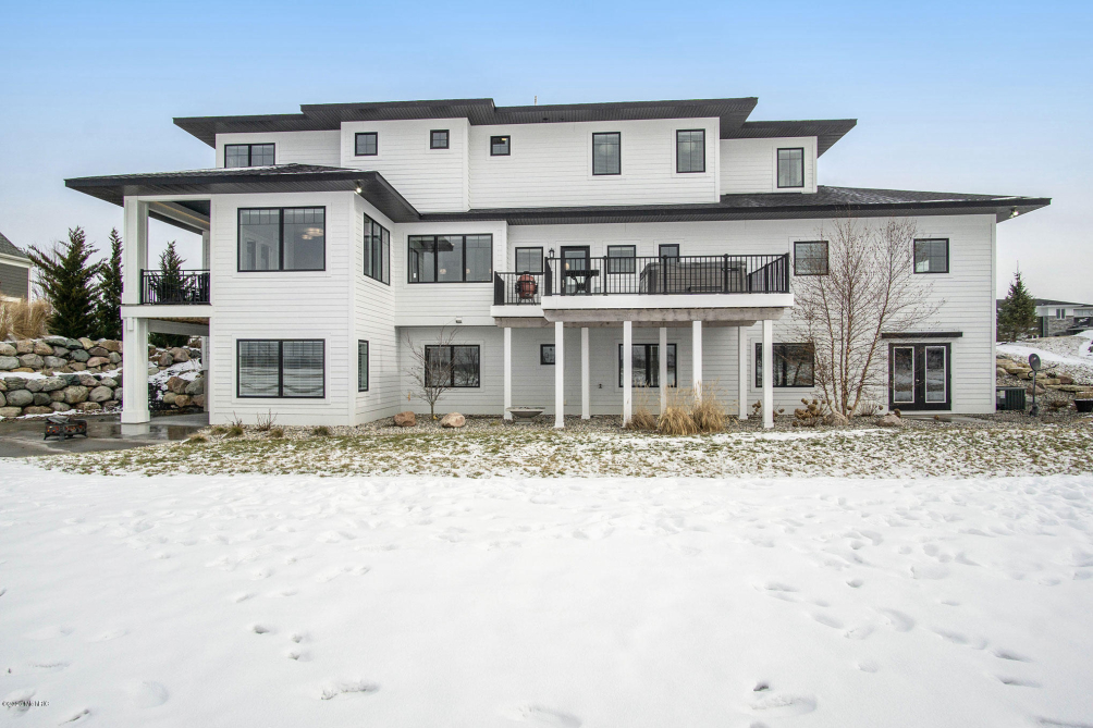 4467 Grand Point Holland, MI 49424