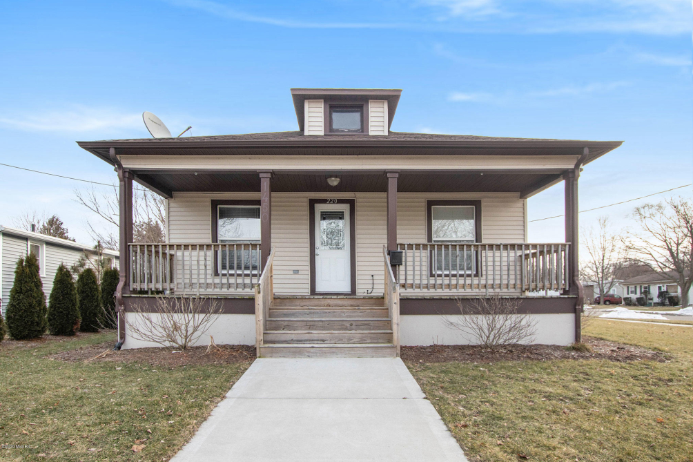 220 S Eastern Ave Grand Haven, MI 49417