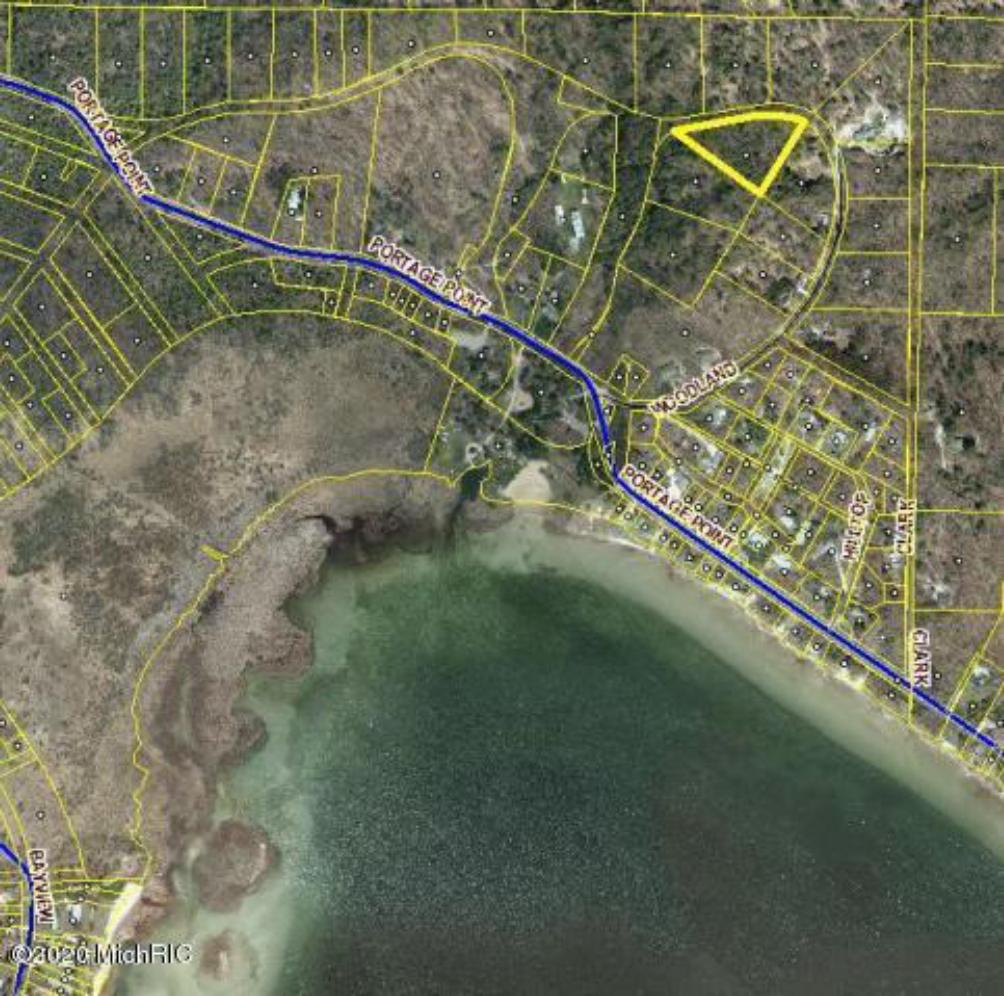 2 Acres Woodland Dr Onekama, MI 49675