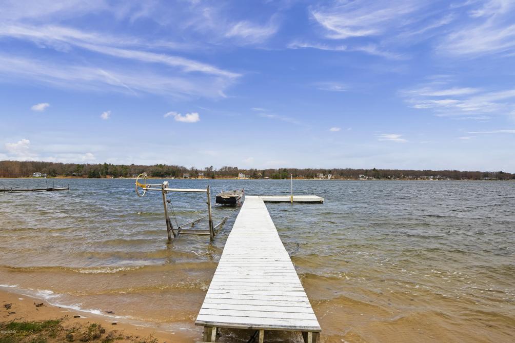 8230 W Pine Grove Beach Dr Baldwin, MI 49304