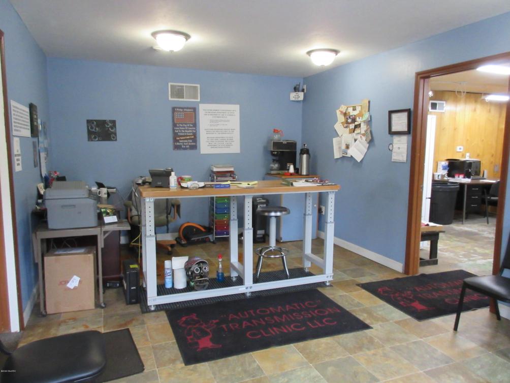 2706 Portage St Kalamazoo MI 49001
