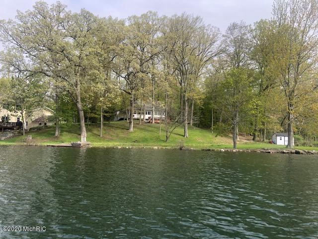 12452 N Sherman Lake Dr Augusta MI 49012