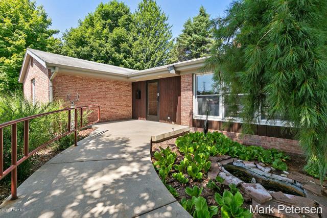 10606 W Carson City Rd Greenville MI 48838