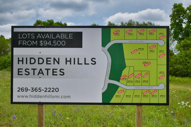 16 Hidden Hills Dr Niles MI 49120