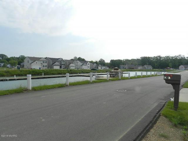 602 Swan River Dr Benton Harbor, MI 49022
