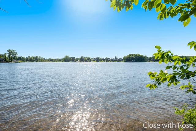 8101 Lincoln Lake Ne Ave Belding MI 48809