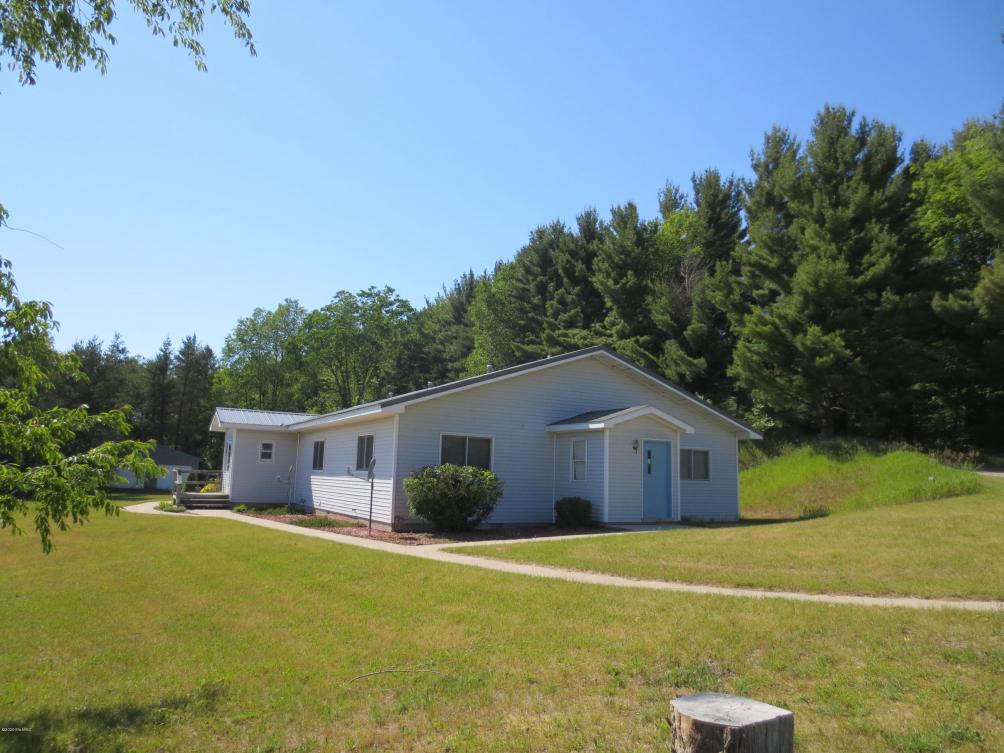 10303 Nurnberger Rd Bear Lake, MI 49614