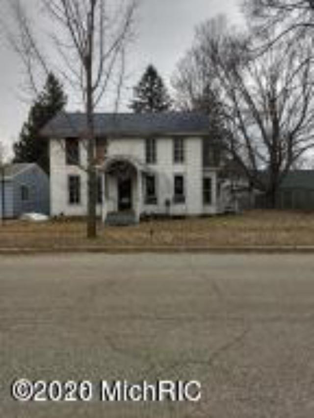 430 N Pine St Evart, MI 49631