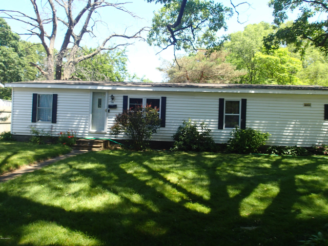2116 Mcilwraith St Muskegon Heights, MI 49444