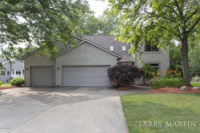 5021 Windybrook Sw Dr Wyoming, MI 49418